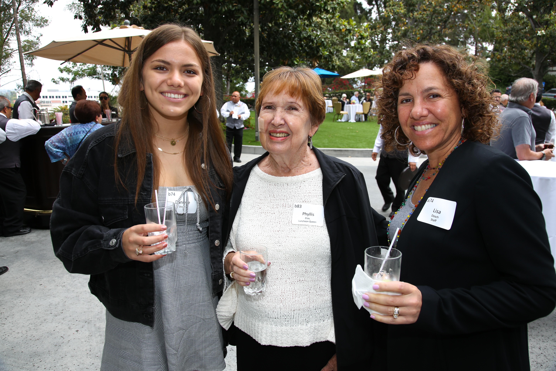 Danielle Dosch, Phyllis Elias, Lisa Dosch
